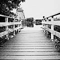 Pier At Kinderdjik by Ivy Ho