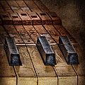 Play Me An Old Hymn by David and Carol Kelly