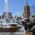 Plaza Fountain by Jonathan Fly