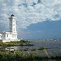 Point Abino Lighthouse by Jim  Wallace