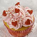 Valentine Cupcakes  by Iris Richardson