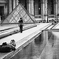 Resting At The Louvre by Stefan Nielsen