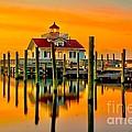 Roanoke Lighthouse Dawn by Nick Zelinsky
