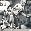 Roger Staubach Passing The Ball by Gianfranco Weiss