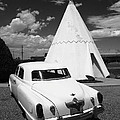 Route 66 Wigwam Motel And Classic Car 2012 Bw by Frank Romeo