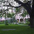 Royal Hawaiian Hotel Entrance by Daniel Hagerman