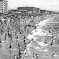 Santa Monica Beach In December by Underwood Archives
