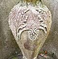 Savannah Urn  by Linda Covino