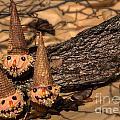 Scarecrow Cupcakes by Iris Richardson