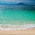 Seobinbaeksa Beach by Yen