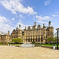 Sheffield Town Hall And Fountain by Colin and Linda McKie