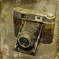 Shelf Camera by Pierre Dumas