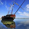 Shipwreck In Lake Ontario  Ontario by Ken Gillespie