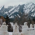 Flatiron Snowmen. by George Tuffy