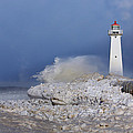 Sodus Bay Lighthouse by Everet Regal