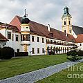 Stift Reichersberg by Hannes Cmarits