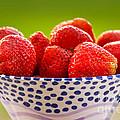 Strawberries by Lutz Baar