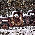 Stretch Limo In The Blizzard by Gary Holmes