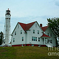 Sturgeon Bay Coast Guard Lighthouse by Tommy Anderson