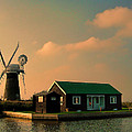 Sunset On The Broads by Phyllis Taylor