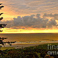 Sunset Over The Pacific Ocean by Robert Bales