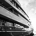 Super Yacht by Ferry Zievinger