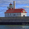 Superior And Duluth Harbor Lighthouse by Tommy Anderson