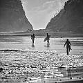 Surfers by Russ Dixon
