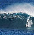 Surfing Waimea Bay by Richard Cheski