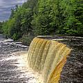 Tahquamenon Falls by Tom Winfield