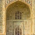 Taj Mahal Close Up by Amanda Stadther