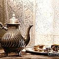 Teatime by Olivier Le Queinec