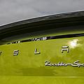 Tesla Roadster by Jose Bispo