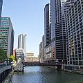 The Chicago River by Ohad Shahar