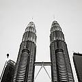 The Petronas Towers Malaysia by Shaun Higson