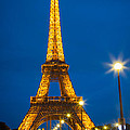 Tour Eiffel De Nuit by Inge Johnsson