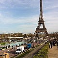 tour Eiffel by Tila Gun