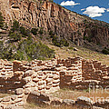 Tyuonyi Bandelier National Monument by Fred Stearns