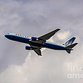 United Airlines Boeing 767 by Rene Triay Photography