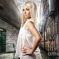 Urban Angel 1.0 by Yhun Suarez