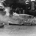 U.s. Sailors In Fireboats At The Side by Everett