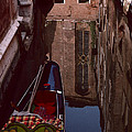Venice Gondola by David Hohmann