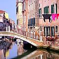 Venice Living by Valentino Visentini
