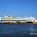 Ventura Sheildhall Calshot Spit And A Tug by Terri Waters