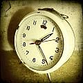 Vintage Clock by Les Cunliffe