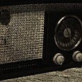 Vintage Ge Radio by Dan Sproul