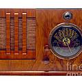 Vintage Radio by Olivier Le Queinec