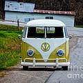 Vintage Volkswagen Bus by Les Palenik