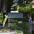 Visite Du Moulin by Allen Sheffield