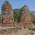 Wat Mahathat Prangs Dtha0223 by Gerry Gantt